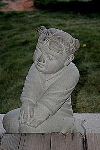 女福娃雕像