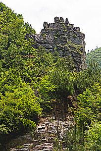 搁船尖的石灰岩石