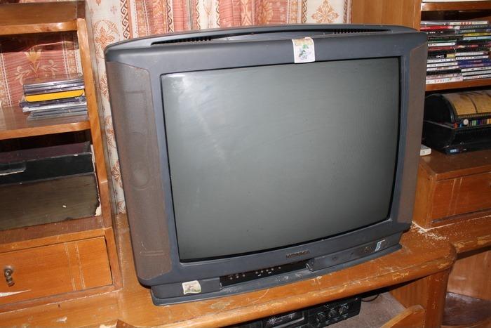 老式电视机  家用电器