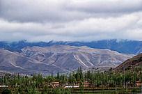 黄土高坡下的农村