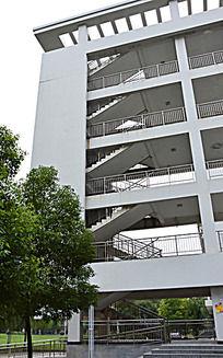 校园教学楼楼梯