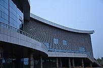 傍晚时分的寿光体育馆