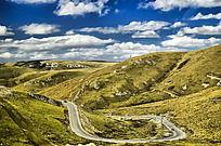 甘南玛曲的盘山公路