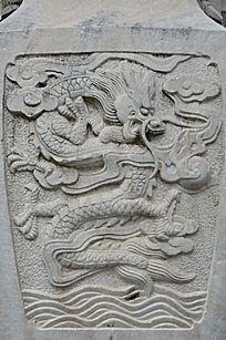 滕王阁里的龙纹浮雕