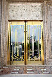 欧式花纹玻璃门建筑
