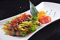 香菜牛肉卷