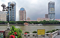 广州珠江对岸的景色