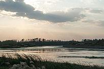 河面夕阳落日