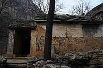 太行山里的农家院门