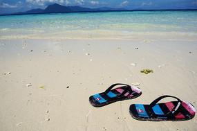 沙滩上沙滩鞋