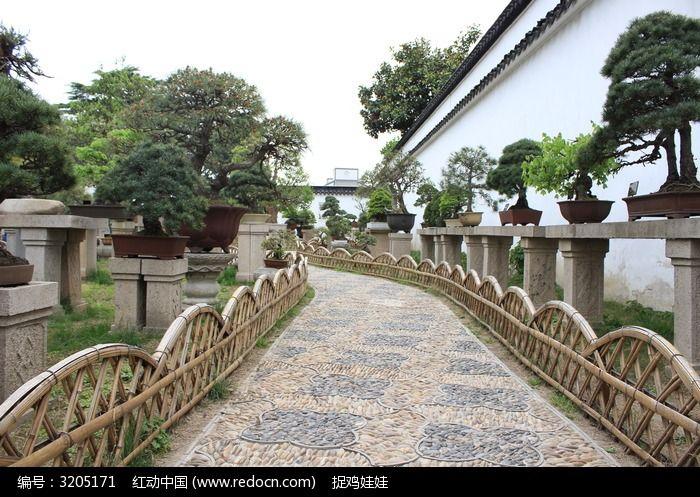 苏州园林篱笆小道