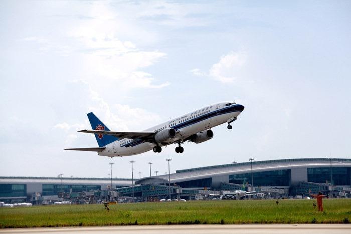 白云机场起飞飞机