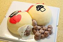 屁股拉便便款的生日蛋糕