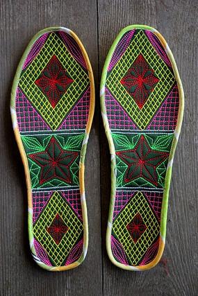 几何图形刺绣鞋垫