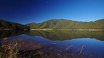 高黎贡山上的湖泊
