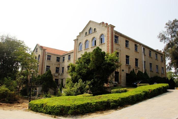 原创摄影图 建筑摄影 学校 闽南风格传统建筑  请您分享: 素材描述:红图片