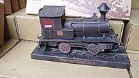 纸质的小火车模型