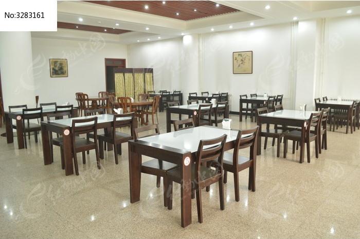 餐厅桌椅摆放设计图展示图片