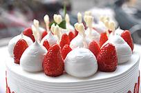 草莓蛋糕 装饰细节