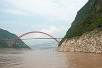 长江小三峡上的钢制拱桥