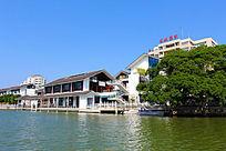 岸边的新中式建筑