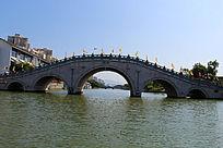 水上石拱桥