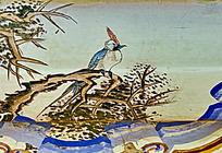 长尾鸟树枝栖息寒冬鸡冠子炫彩