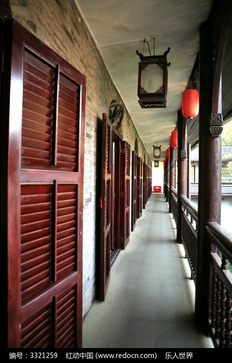 古建筑的走廊