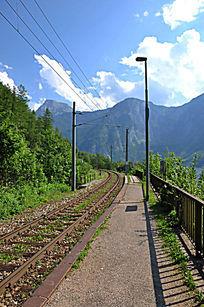 小镇旁的铁路