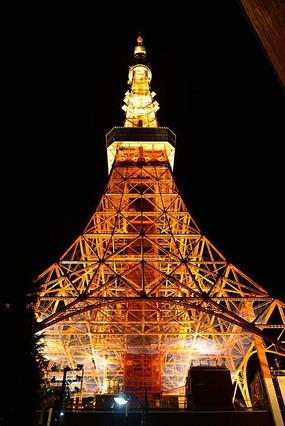 仰望东京塔