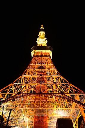 仰望东京铁塔