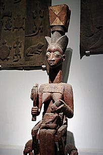 非洲女人人体木雕