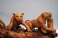 非洲狮子木雕艺术品