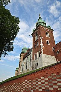 瓦维尔城堡内的教堂