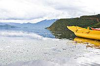 泸沽湖湖光倒影
