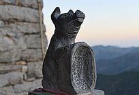 12生肖石刻的猪
