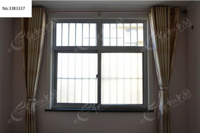 窗户与窗帘