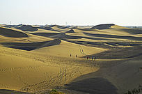 绵延不绝的沙山