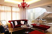 红色沙发待客大厅