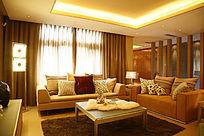 黄色调舒适客厅