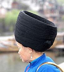 苗族妇女头饰图片