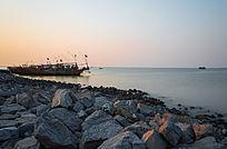 长时间曝光拍摄夕阳海边风光