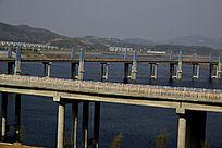 建成后通车的郧阳岛立交桥