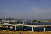 十堰郧阳岛立交桥下蓄满水