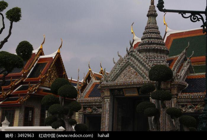 泰式建筑屋檐特写图片