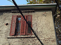 红色折叠怀旧窗户