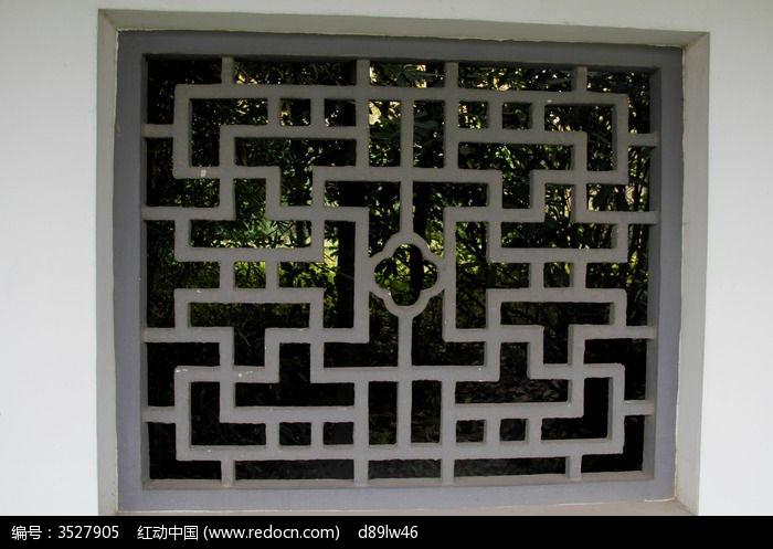 您当前访问图片主题是公园方格窗子,编号是3527905, 文件格式是jpg图片