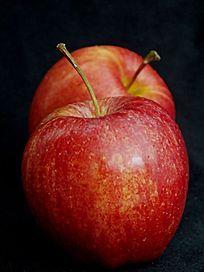 近摄两个红苹果图片