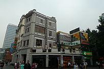 灰白色的特色建筑