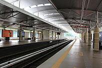 户外地铁站台